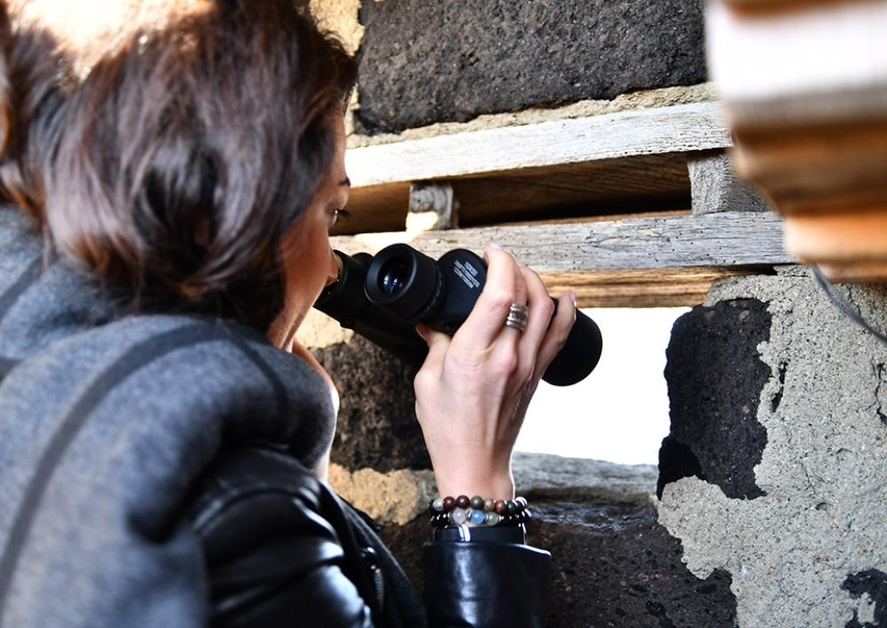 Աննա Հակոբյանն այցելել է ՀՀ ԶՈՒ հյուսիս-արևելյան ուղղությամբ տեղակայված դիրքերից մեկը