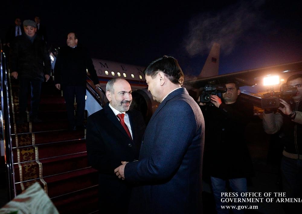 Վարչապետն աշխատանքային այցով ժամանել է Ղրղզստանի Հանրապետություն