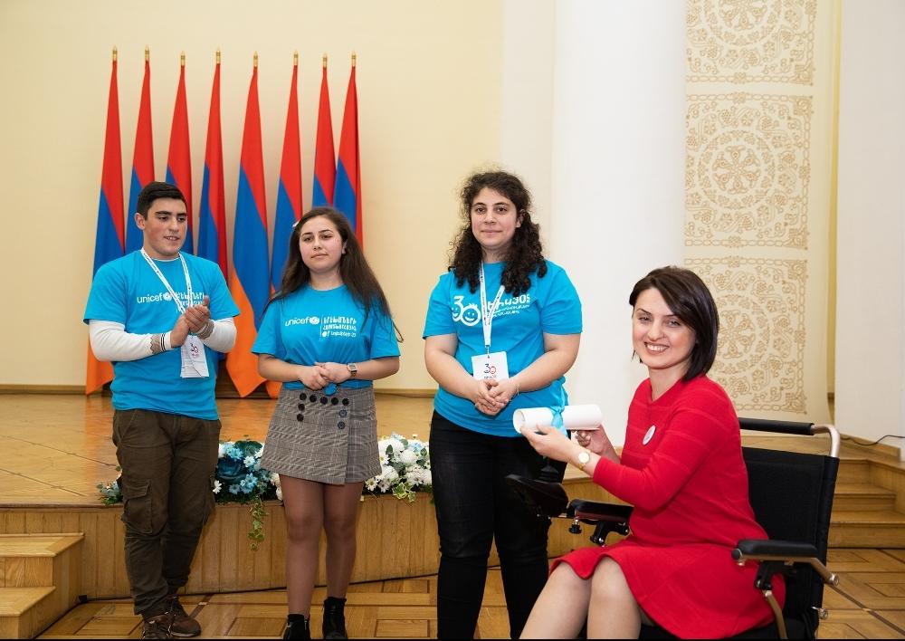Հայ երեխաները կոչ են անում Հայաստանի որոշում ընդունողներին՝ վերահաստատել երեխայի իրավունքները պաշտպանելու իրենց պատրաստակամությունը