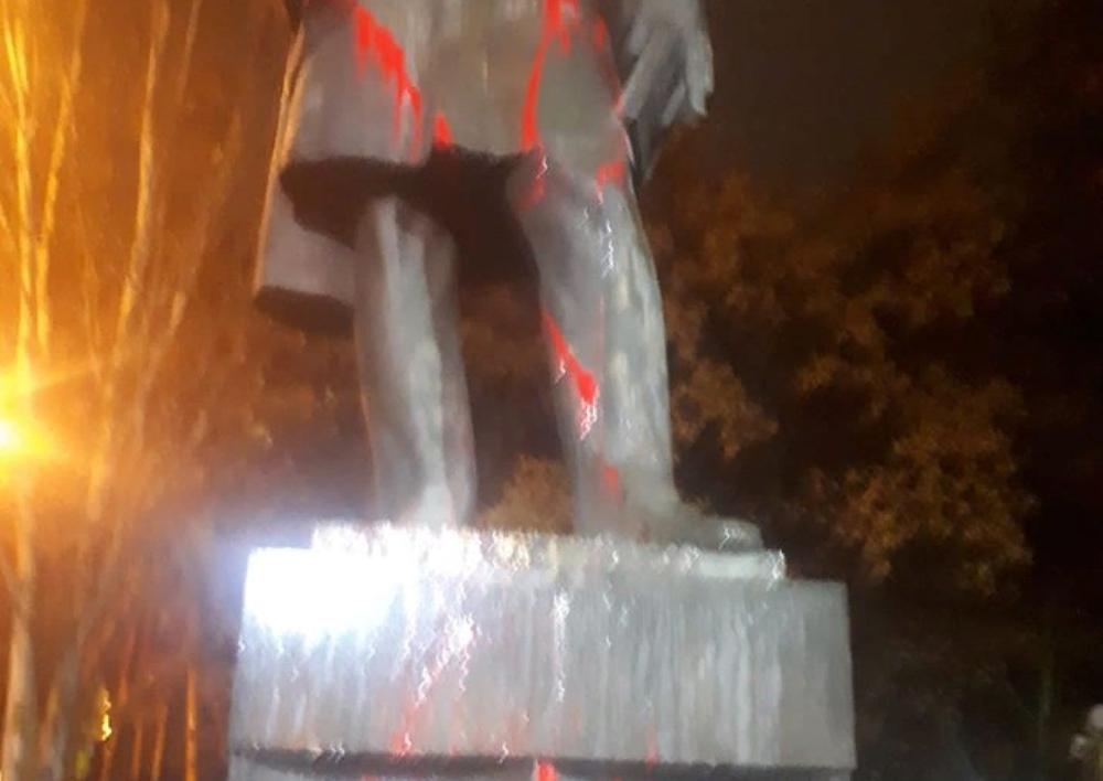 Շահեն Հարությունյանը ներկել է Երևանում Գրիբոյեդովի արձանը՝  ի պատասխան Ռուսաստանում Նժդեհի հուշատախտակի պղծմանը․ Տեսանյութ