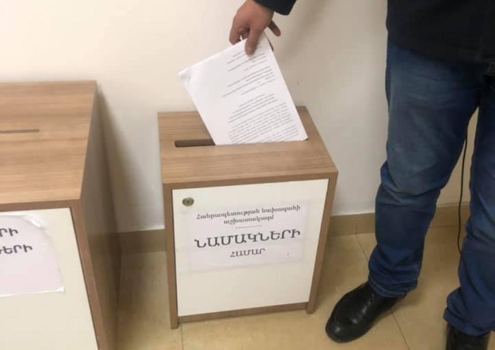 «Վարորդի ընկեր»-ը պետական տուրքի հարցով ՍԴ դիմելու համար միջնորդագիր են հանձնել ՀՀ նախագահին