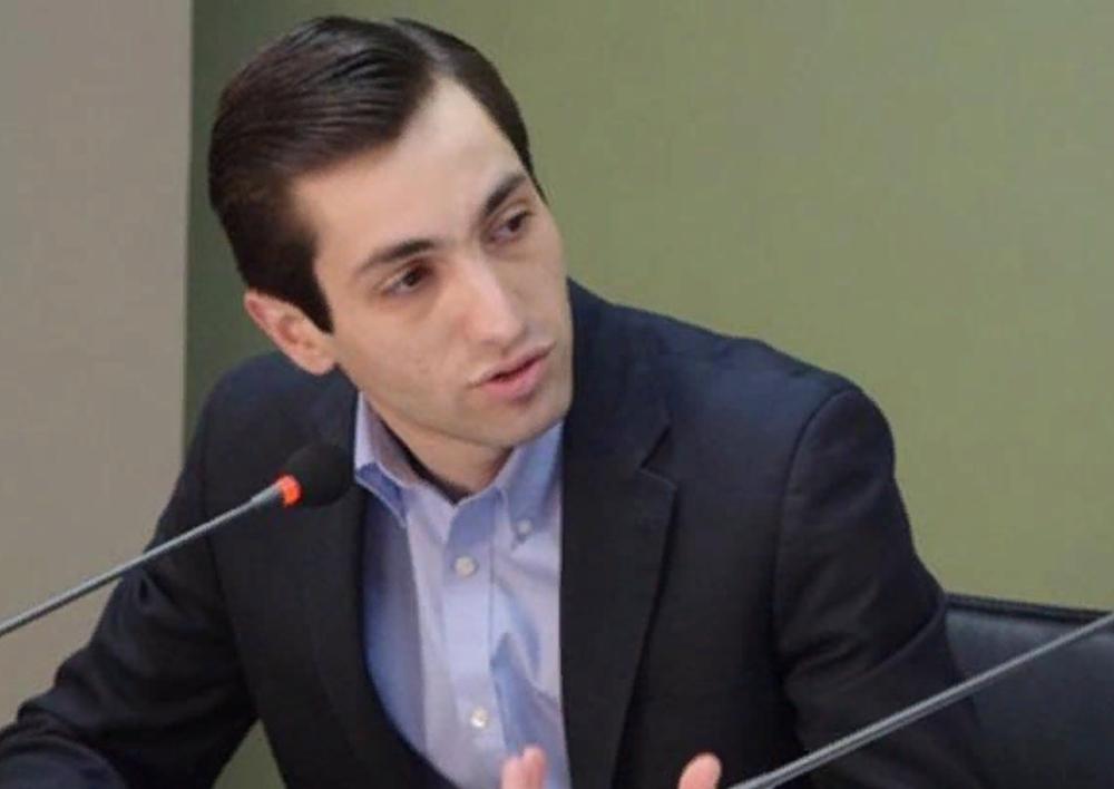Կոռուպցիոն ռիսկերը  քաղաքապետարանում անկառավարելի են դարձել․ աղբամանների մրցույթում հաղթել է պաշտոնյայի քրոջ որդին․ Դավիթ Խաժակյան